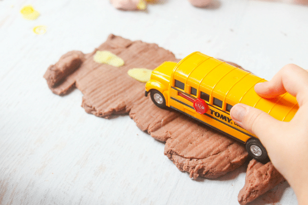 This back to school play dough kit is perfect for hands on sensory fun that encourages play an imagination in the back to school season!