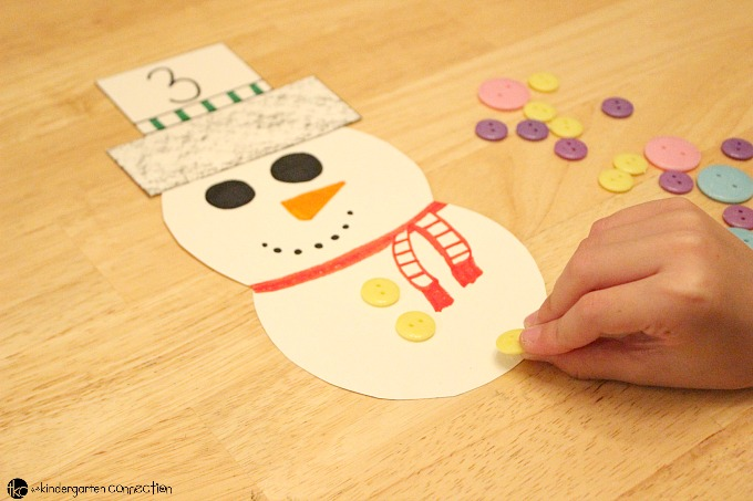 Try this Snowman Button Counting Activity. This Christmas counting activity is great for preschool math! I just can't get enough of the cuteness of snowmen in wintertime.