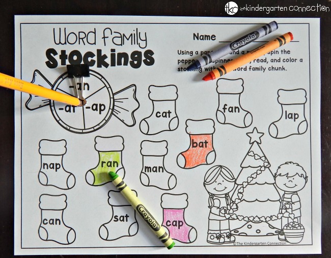 Work on word families this season with these fun and free word family games! They are perfect for the holidays with your beginning reader!