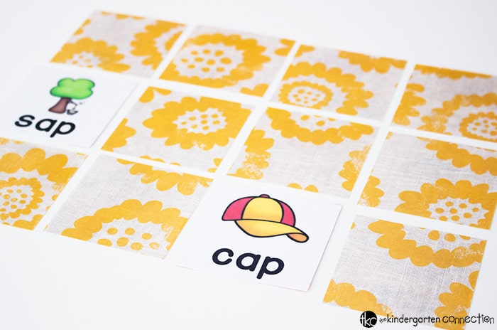 CVC Rhyming Words matching games are a great way to introduce word families to new readers! These picture supported cards are perfect for introducing CVC Words.