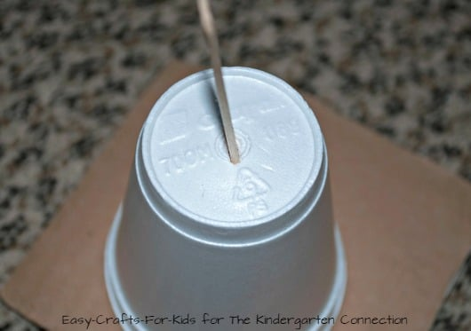 A simple groundhog day craft for kids!