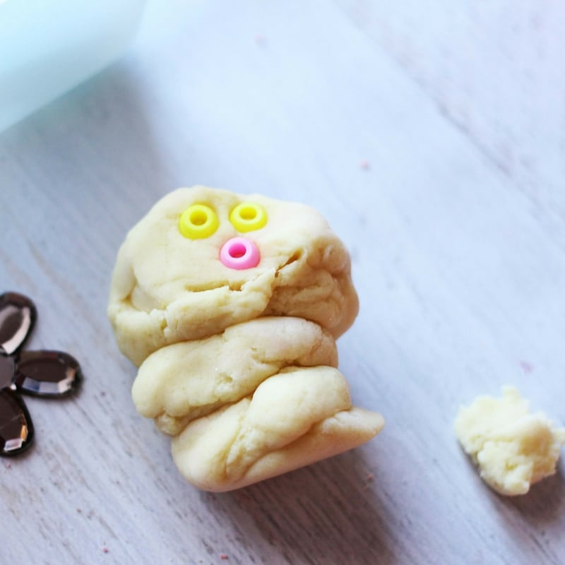 Do you want to build a snowman? An unexpected use of our Spring Flowers Play Dough