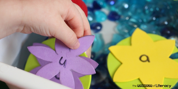 Have a splashing good time while learning the alphabet too with this pond theme alphabet match sensory bin! Perfect for learning letters and sounds.