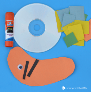 This simple and fun snail craft is a great project for kids this spring (or anytime) and it uses materials you likely already have!