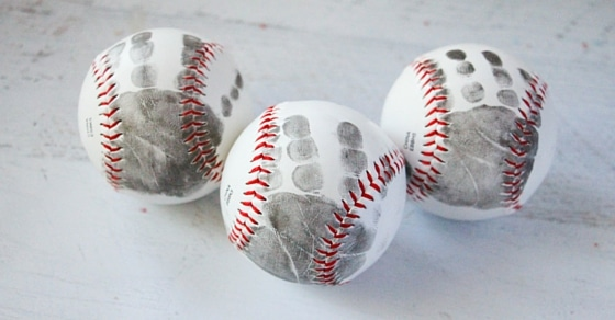These handprint baseballs are such a sweet gift for any parent or baseball aficionado!