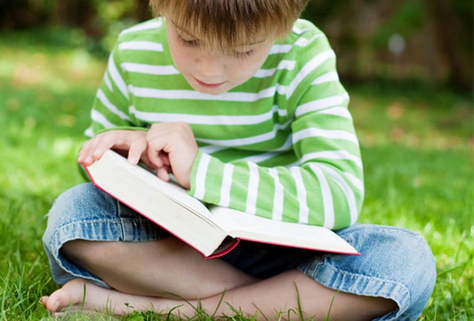 10 ways to keep your child reading this summer