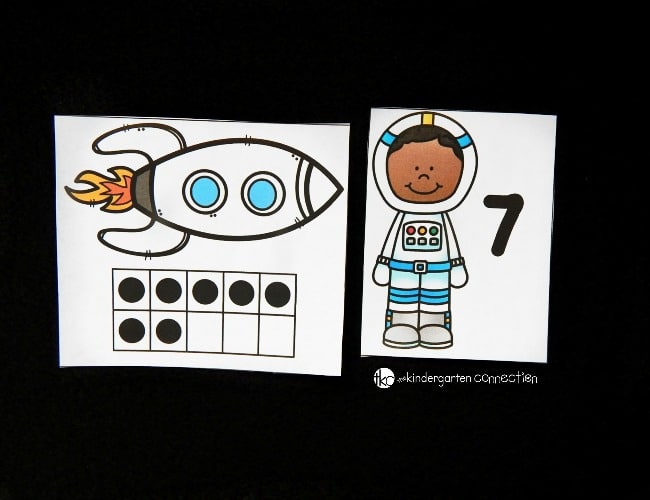 Explore numbers and ten frames with this fun and free astronaut ten frame match! Perfect for Pre-K and Kindergarten math.