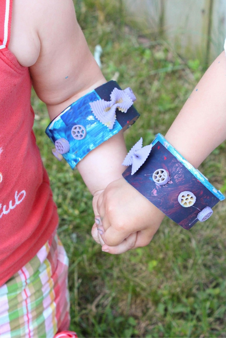 Explore the butterfly life cycle with this fun pasta bracelet craft! Perfect for kids and adding some crafting to your science lessons.