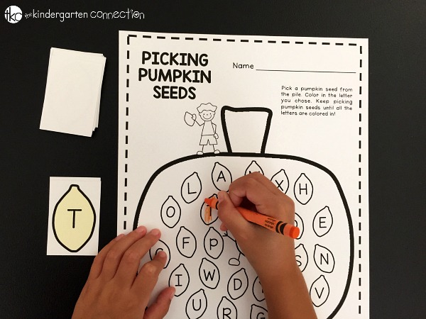Learning the alphabet is fun with this hands on pumpkin letter matching activity. It's perfect for preschoolers and kindergarteners this fall.