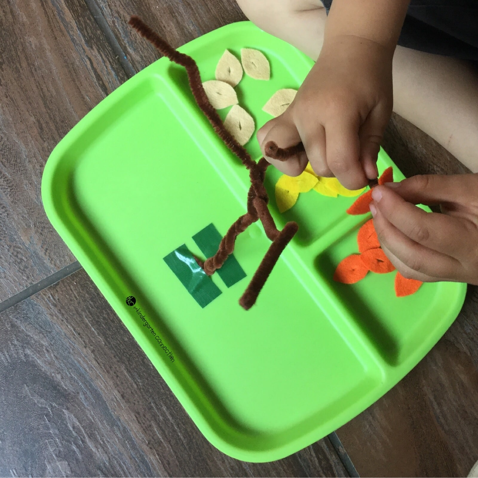 This fine motor activity is perfect for preschoolers and kindergarteners to build up fine motor skills and strengthen writing muscles this fall!