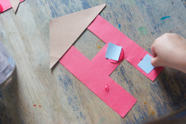 Here is our letter H craft, H is for House! This is a great letter to complement a building unit, a discussion on families, or simply an exploration of the letter H!