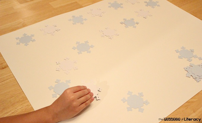 Practice spelling and sight words with this interactive DIY snowflake sight word race game. Play a game and learn at the same time in this frugal activity.