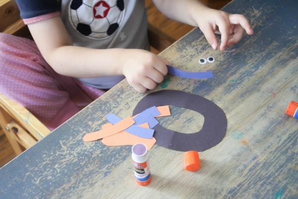 This letter O craft is a favorite! This O is for Octopus Kindergarten Letter Craft is easy to assemble and great for fine motor skills.