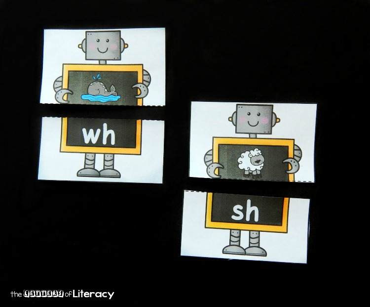 Have fun reading digraphs with these free printable robot themed beginning digraph puzzles for early readers! They are a great Kindergarten literacy center!