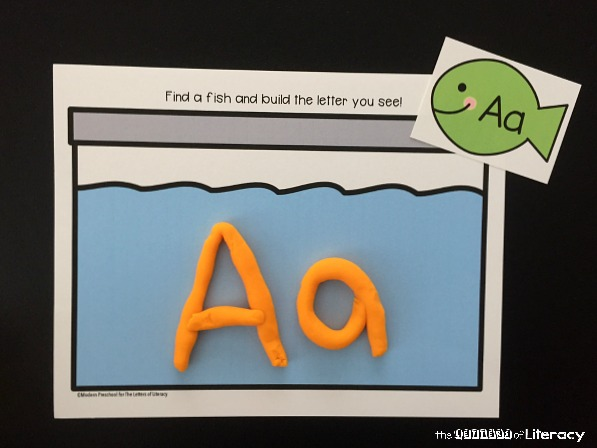 Combine smiley alphabet fish with play dough, and get these free alphabet fish play dough mats! They're great for practicing the alphabet and CVC words.