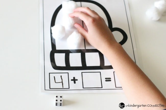 These free printable winter math mats are great for practicing addition and subtraction in a math center for Kindergarten or 1st grade!