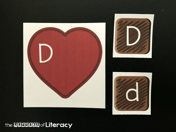 Have fun matching upper and lowercase letters with this fun Valentine's Day literacy center! Pre-K and Kindergarten kids will love this free printable Valentine alphabet match activity that looks like chocolates!