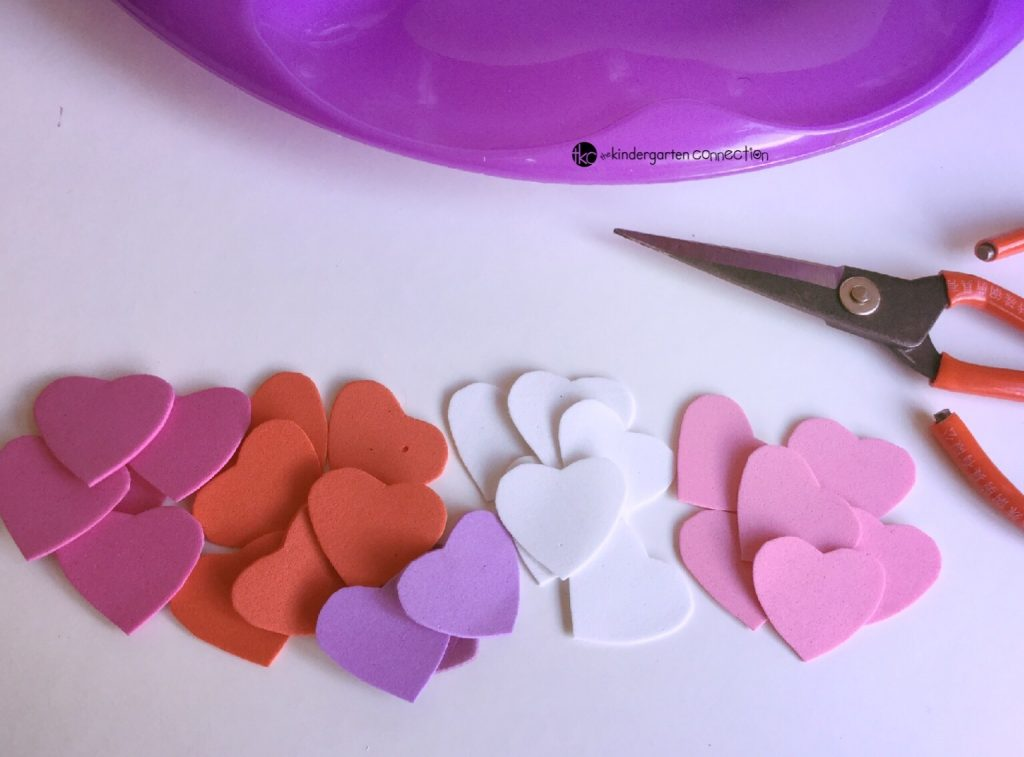 Your kids will have so much fun working on fine motor skills, patterns, and color sorting with this heart threading fine motor and patterning activity tray!