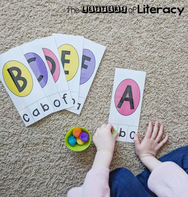 This Easter egg letter pack is such a fun way to work on uppercase and lowercase letters with Preschool and Kindergarten kids! Grab the free printables to add to your Easter literacy centers!