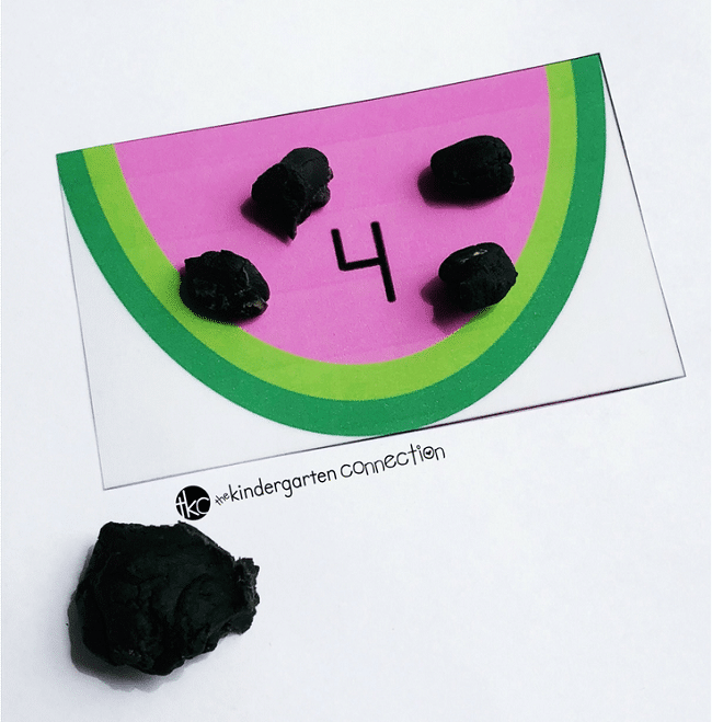 Grab these FREE Watermelon Counting Cards for Pre-K and Kindergarten! Children will work on counting and number identification for numbers 0-20.