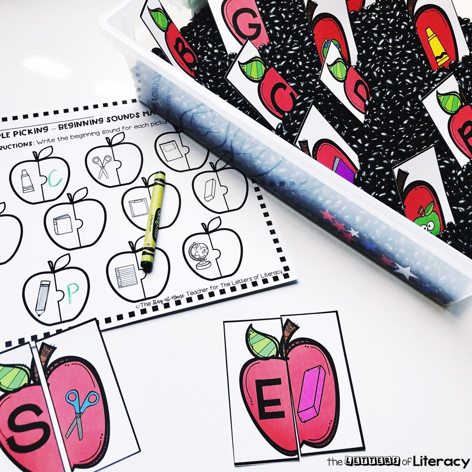 Back to School Beginning Sounds Sensory Bin with FREE Printables, perfect for kindergarten!