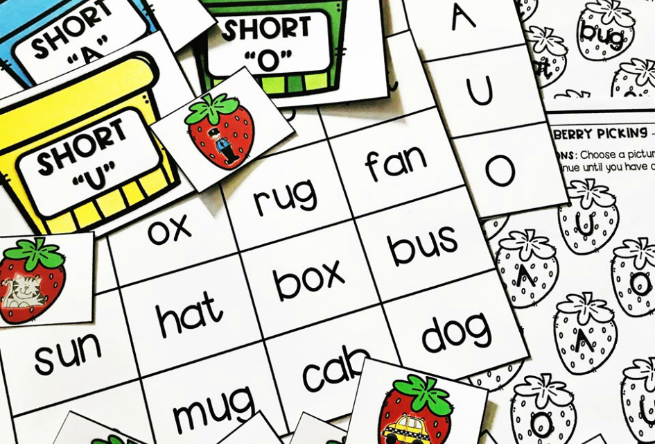FREE Berry Short Vowel Sound Sensory Bin Printables for Kindergarten