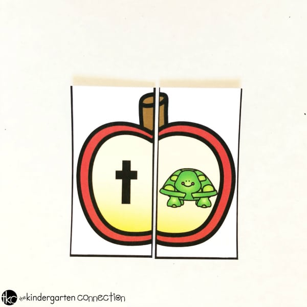 This apple-themed beginning sound match is perfect for your apple centers or fall activities in your Kindergarten classroom!
