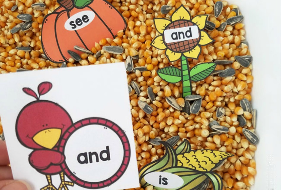 FREE Scarecrow Sight Word Activity