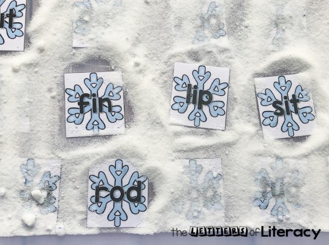 FREE Snow CVC Words Sensory Bin Printables for Winter Literacy Centers in Kindergarten!