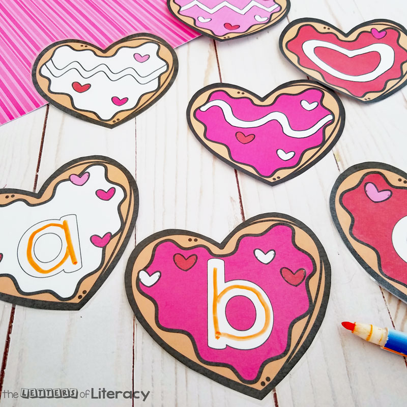 FREE Printable Valentine's Day Cookie Pre-Writing Activity for Pre-K and Kindergarten writing centers in February!