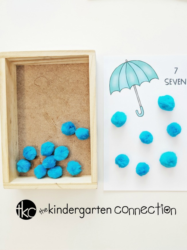 FREE Printable Umbrella Raindrop Counting Activity for Kindergarten! This springtime activity is perfect for practicing one-to-one correspondence, counting and fine motor skills your math centers!