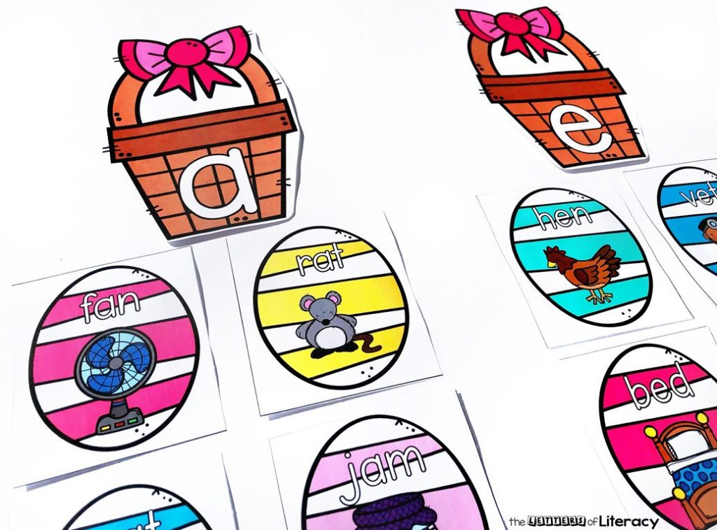 Get our FREE Printable Egg Hunt Short Vowel Activity for your Kindergarten classroom literacy center! This easy-prep activity is perfect in small groups or for independent practice!