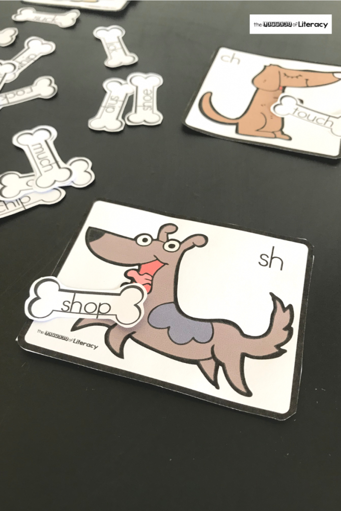 This FREE Printable Dog Digraph Word Sort Activity is great for Kindergarten Literacy Centers! Children can play in pairs or use for independent practice!