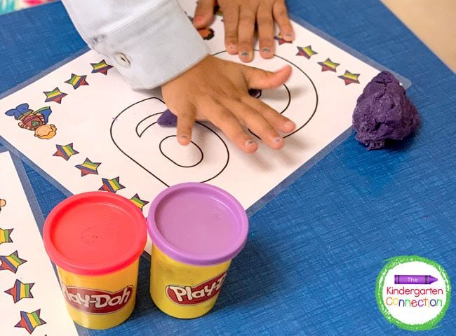 Students can use the play dough to form the letters on the mats in many different ways.