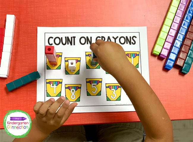 Get free math resources for your Pre-K and Kindergarten classrooms like this unifix cube counting activity!
