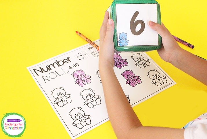 Roll the dice and color a bear with the matching number on the Pocket Dice Bear Roll recording sheet.