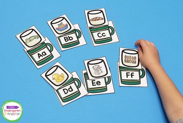 Match the marshmallow picture card with the correct hot chocolate letter card.