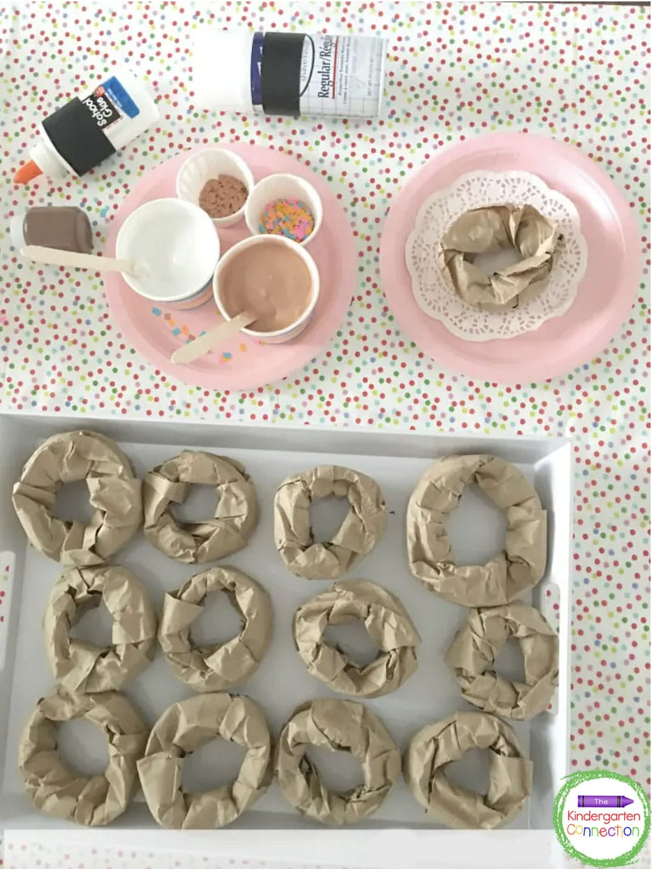 Students can use the pretend frosting to decorate their paper donut craft.