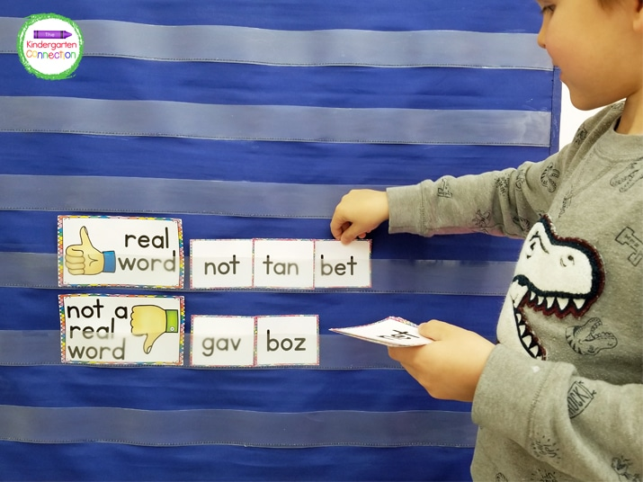 This resource pack also includes a CVC pocket chart word building activity!