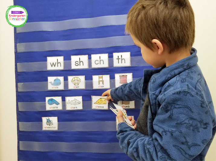 Sort blends and digraphs with this fun pocket chart activity.