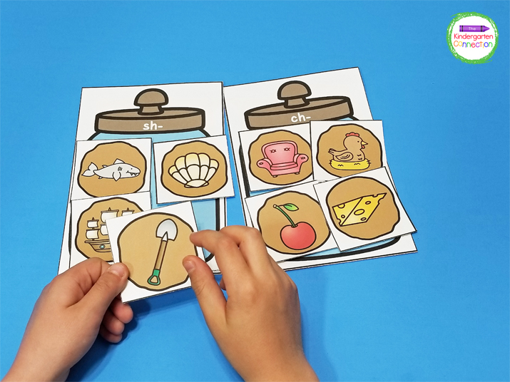 This Cookie Jar Digraph Sort comes with more than one version for differentiation.