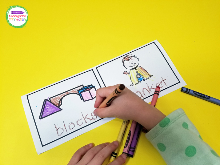 Each mini-book focuses on one blend or digraph, and all of the pages have objects that start with that sound.