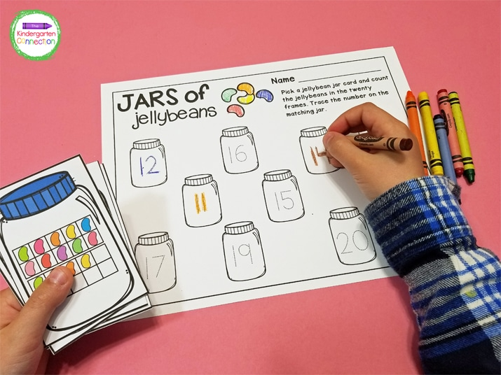In Jars of Jellybeans students count the number of jellybeans in the 10 or 20 frame picture card and color the matching jar on the recording sheet.