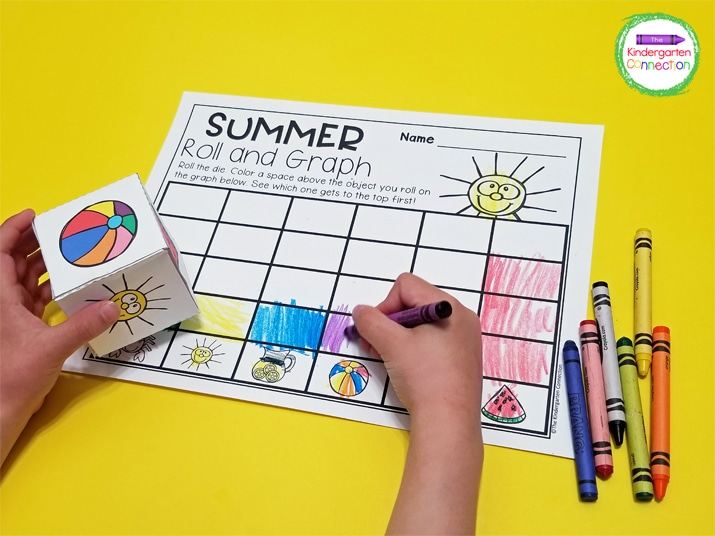 Students roll the die and color one square above the matching summer picture on their roll and graph recording sheet.