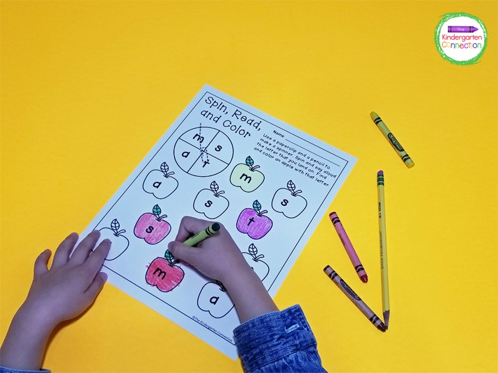 In this Spin, Read, and Color game, the kids simply spin the spinner, then find and color an apple with the matching letter.