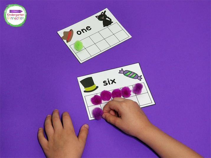 You can keep the  counting cards as they are or cover up the numerals with a sticker for an extra challenge.